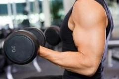 تقویت عضلات بدن به چه قیمتی؟!ببین این آقا چکار میکنه