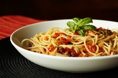 خیلی ارزان و آسان و سریع اسپاگتی را با طعم و سبک ایتالیایی درست کنید؛ آموزش طبخ متفاوت و خوشمزه در آشپزخانه تی وی پلاس