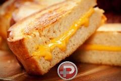 نان تست پنیری، خوشمزه ترین و ساده ترین پیش غذایی که در کمترین زمان، آماده می کنید