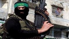 شکار انتحاری داعشی با اسلحه ایرانی طوفان/فیلم