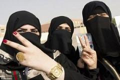 اولین مصاحبه با زنی که بعد از شکنجه های فراوان، توانست از دست داعشی ها فرار کند