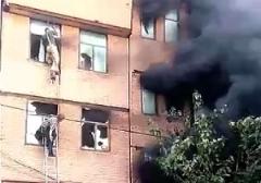 فیلم عملیات مردمی برای نجات جان یک مادر باردار ایرانی از دل آتش/وقتی آتشنشانی تنها نظارهگر بود!