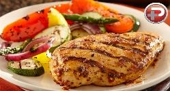 مرغ لذیذ و باب دندان که تا به حال تجربه نکرده اید؛ طرز تهیه مرغ برزیلی با سس مخصوص