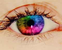 بدون نیاز به لنز، رنگ چشمتان را تغییر دهید!