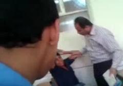 فیلم مخفی از لحظات کتک زدن وحشیانه یک پسر دانش آموز توسط معلم!