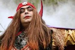 رضا شفیعی جم در نقش مرد هزار چهره به تلویزیون آمد؛ سکانسی از مجموعه تلویزیونی طنز