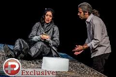 درگیری در پشت صحنه یک تئاتر به خاطر یک زن؛ مرثیه تئاتری ها برای ستایش، کودک افغان که بعد از کشتن جسدش سوزانده شد؛ وقتی ستاره سینما با کلاه معروفش هدایت هاشمی را سورپرایز  می کند؛ خاک صحنه  تی وی پلاس تقدیم می کند