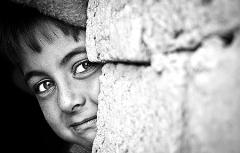 ستاره هایی که قلب یک کودک یتیم را از جا درمی آورند/آنونس برنامه «بگو سیب» شبکه تی وی پلاس ویژه ماه مبارک رمضان 95