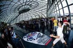مسابقات قهرمانی جهان هواپیماهای کاغذی یا همان موشک کاغذی!!