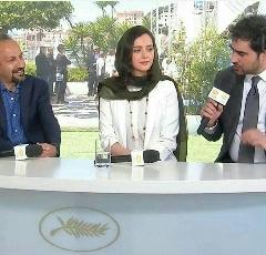 استقبال  عکاسان از ترانه علیدوستی، شهاب حسینی و اصغر فرهادی در جشنواره فیلم کن