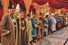 خاطرات دربار؛ فیلمی از اوقات خوشگذرانی شاه و درباریان؛ سکانسی از سریال پرطرفدار مهران مدیری