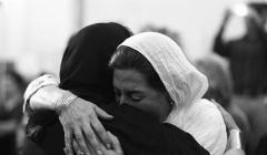 گزارش مراسم بزرگداشت عباس کیارستمی، برجسته ترین کارگردان ایران/شبی که ستاره های سینمای ایران اشک ریختند و شمع روشن کردند و فاتحه خواندند