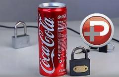 اگر کلید قفلتان را گم کردید، هیچ نگران نباشید کافیست یک کوکاکولا بخرید !