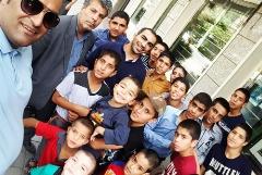 بچه معروف ترین های ایران برج میلاد را روی سرشان گذاشتند/تهران گردی متفاوت کودکان سرخس با سرباز معلم فداکار محبوب شان - بگو سیب تقدیم می کند