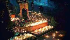 شب اول قبر کیارستمی اینگونه رقم خورد