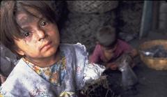فقیرنشین ترین منطقه تهران را ببینید؛ پسر 12 ساله ای که برای زنده ماندن خود و پدر و مادرش می جنگد؛ دختری که می گوید هیچ آرزویی ندارم/گروه اجتماعی شبکه تی وی پلاس تقدیم می کند