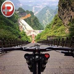 این ویدیو نفستان را بند می آورد؛ خطرناک ترین و مهیج ترین دوچرخه سواری دنیا از دروازه ی آسمان چین !