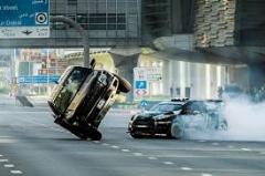 رانندگی دیوانه وار در جاده دو طرفه + فیلم