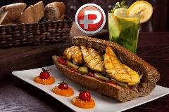 طعمی بینظیر از یک ساندویچ که فراموشش نمی کنید؛ آموزش تهیه ساندویچ فیله مرغ طعم دار