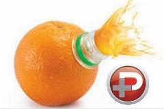 در چند ثانیه آب هرنوع میوه ای را بگیرید و میل کنید؛ حتی اگر آبمیوه گیری دم دستتان نیست