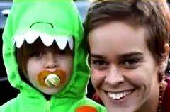 مادری که بخاطر لایک گرفتن کودک خود را کشت!! + فیلم