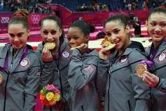 خواسته های غیراخلاقی از دختران ورزشکار آمریکایی