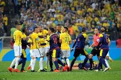 درگیری شدید بازیکنان برزیل و کلمبیا در بازی پر زد و  خورد + فیلم