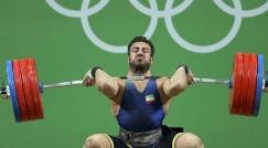 فیلم لحظه قهرمانی کیانوش رستمی در وزنه برداری المپیک