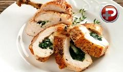 تنوع در آشپزی با مرغ؛ غذایی لذیذ که هوش از سرتان می برد؛ طرز تهیه سینه مرغ شکم پر راحت تر از چیزی که فکرش را می کنید