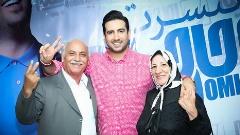 تذکر مهران مدیری هم جلوی حرف های جنجالی امید حاجیلی را نگرفت: خیلی از خواننده های معروف ایران بی سواد هستند!/حرف های تند و تیز حاجیلیتو در دورهمی