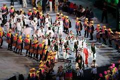 لحظه زیبا و دیدنی رژه ورزشکاران ایرانی در افتتاحیه المپیک ریو 2016  - قسمت دوم