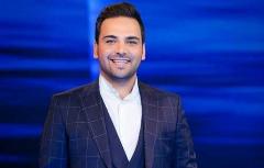 فیلم سوتی عجیب مجری تلویزیون روی آنتن زنده درباره شایعه فوت احسان علیخانی!