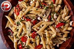 پاستایی خوشمزه و خوشرنگ و آب، یک غذای کامل و لذیذ؛ آموزش تهیه پاستای مرغ و گوجه فرنگی