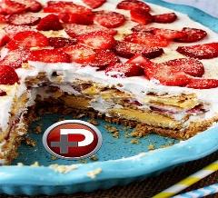 کافیست عکس این ویدئو را ببینید تا آب از دهانتان راه بیفتد؛ آموزش تهیه کیک سرد توت فرنگی به راحت ترین شکل ممکن