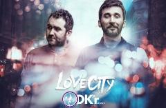 آهنگ جدید برادران بازیگر مشهور تلویزیون به نام شهر عشق/ترک جدید گروه دکور با صدای حامد و توحید کاظمی را از تی وی پلاس بشنوید