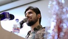 حامد زمانی در حاشیه رونمایی از موزیک ویدیوی سپر با طرفدارانش دیدار کرد/اختصاصی تی وی پلاس