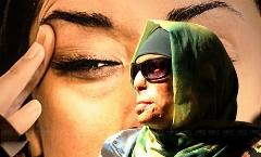 اتهام دختر قربانی اسیدپاشی به کارگردان مشهور/آمنه بهرامی: باید یک میلیارد تومان من را بدهید/شما دوباره زندگی ام را آتش زدید/رادیو اکتیو موضوع جنجالی این روزهای سینمای ایران را بررسی می کند