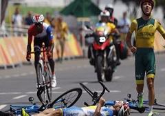 فیلم لحظه دلخراش حادثه برای دوچرخه سواران