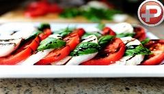این سالاد ساده میتونه پیش غذای شیکی باشه؛ آموزش تهیه سالاد کاپریس، راحت و کم هزینه