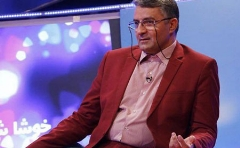 تقلید صدای شخصیت سرشناس سیاسی ایران روی آنتن زنده تلویزیون/حمید ماهی صفت از حرفه اش می گوید