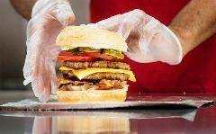 با فایو گایز عجیب ترین فست فود ایران آشنا شوید؛ شاید هیچ وقت از پس همبرگرهایش برنیایید