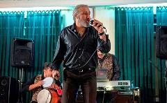 فیلم لو رفته از هجوم پلیس به پارتی شبانه با حضور خواننده لس آنجلسی؛ قسمتی از سریال پرطرفدار شاهگوش