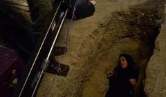 بازیگر زن سینما عکس خوابیدنش در یک قبر را منتشر کرد/هم آنتن داشتم، هم اینترنت