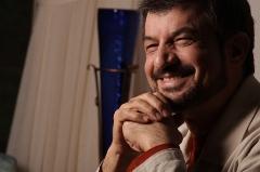 مجری محبوب تلویزیون فاتحه استقلال را خواند!