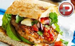 تدارک یک مرغ برگر خانگی، خوشمزه تر از رستوران ؛ آموزش تهیه، ساده و خوش طعم