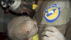 بغض مجری زن تلویزیون هنگام نجات کودک سوری بعد از سه روز از زیر آوار