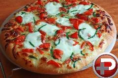 خاص ترین پیتزای دنیا را در خانه بپزید! / آموزش تهیه پیتزای مارگاریتا با خمیر گُل کلم، متفاوت و سالم