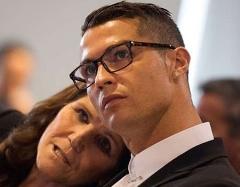 دعوای نایک و آدیداس بخاطر عینک دردسرساز رونالدو/جریمه ای که گریبان ستاره فوتبال را می گیرد