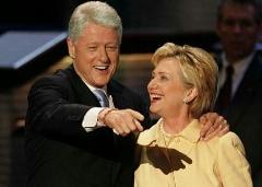 طلاق هیلاری کلینتون از همسرش که محکوم به رسوایی جنسی شده بود