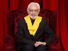 ستاره سینمای ایران بعد از شصت سال سیگارش را ترک کرد